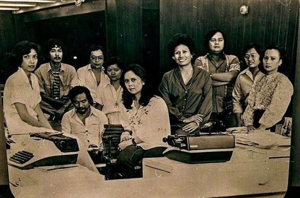 Panorama staff with Chelo Banal- Formoso (farthest left, sitting) and Nestor Fernandez (behind Chelo, standing)