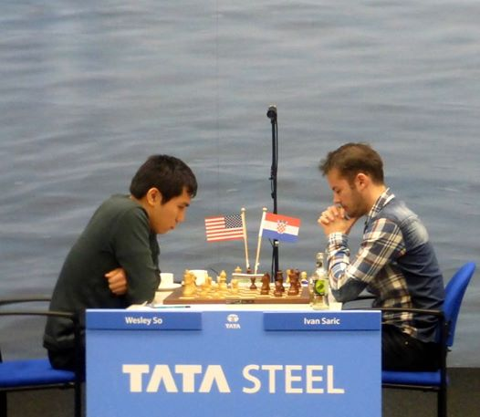 Wesley So (left) plays the white pieces against Ivan Saric of Croatia. Photo by Chessdon.com